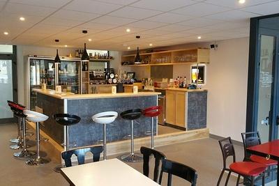 Aménagement d''un bar Guingamp