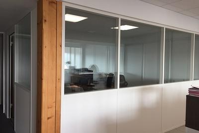 Cloisons vitrées : organiser vos espaces / optimiser la luminosité