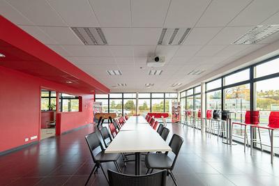 Rénovation plafonds suspendus, cloisons centre d''entrainement EAG - 22