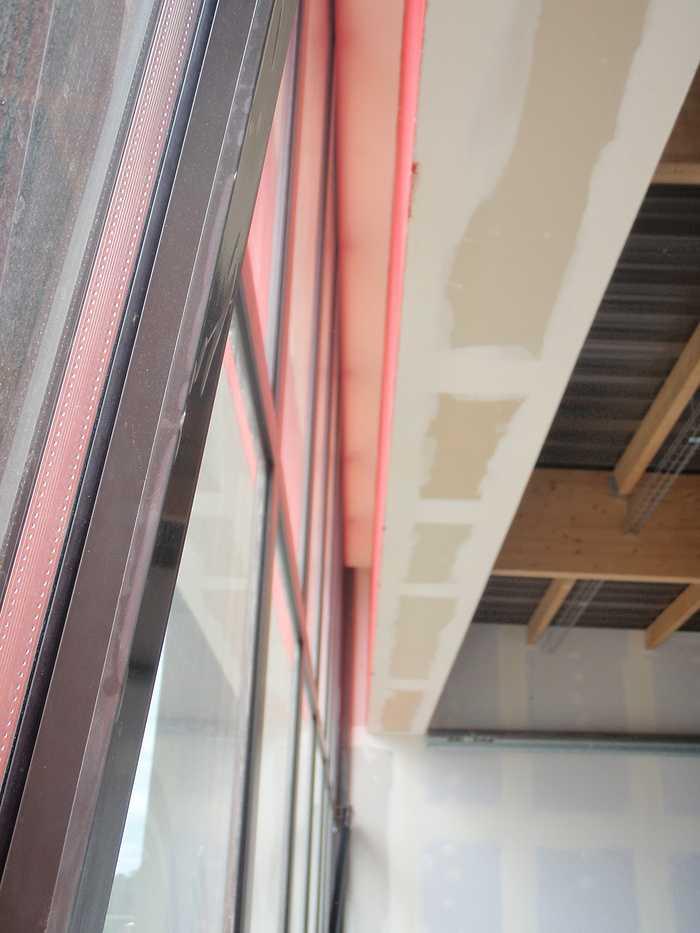Construction neuve : cloisons et plafonds - Ecole maternelle - Plouguiel p1010086