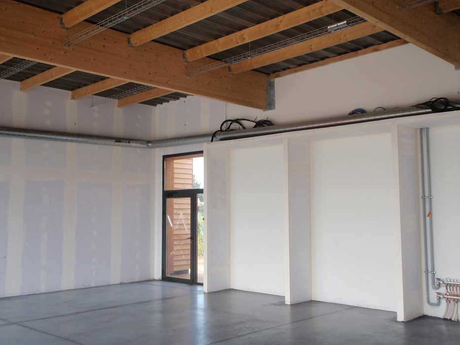 Construction neuve : cloisons et plafonds - Ecole maternelle - Plouguiel p1010087