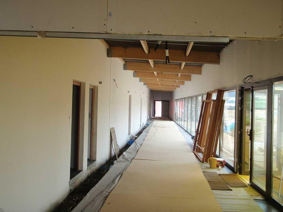 Construction neuve : cloisons et plafonds - Ecole maternelle - Plouguiel p1010094