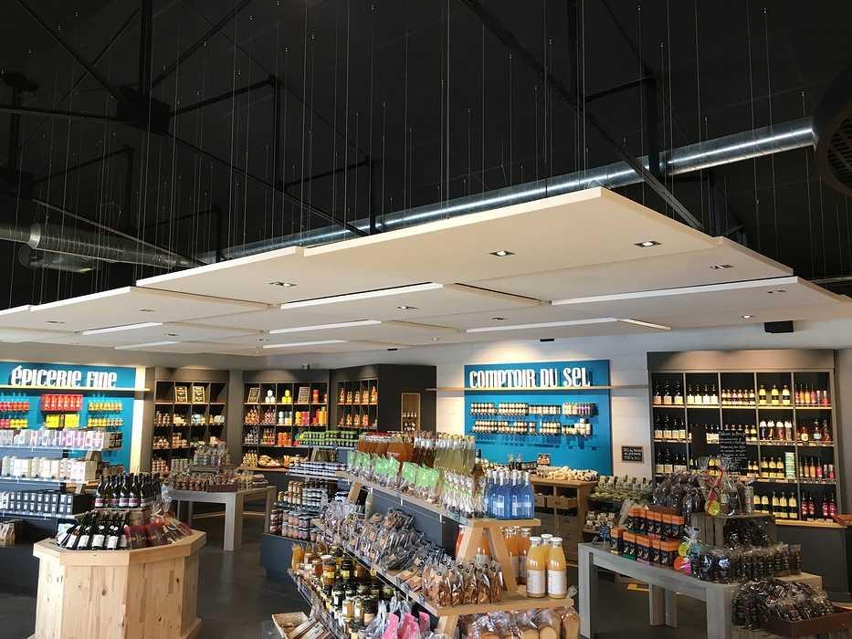 Plafonds et piéges à son : magasin l'Atelier Fermier - Ploumanach img4115