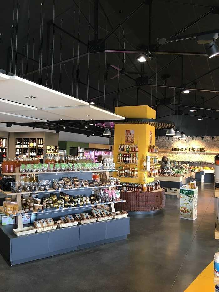 Plafonds et piéges à son : magasin l'Atelier Fermier - Ploumanach 0