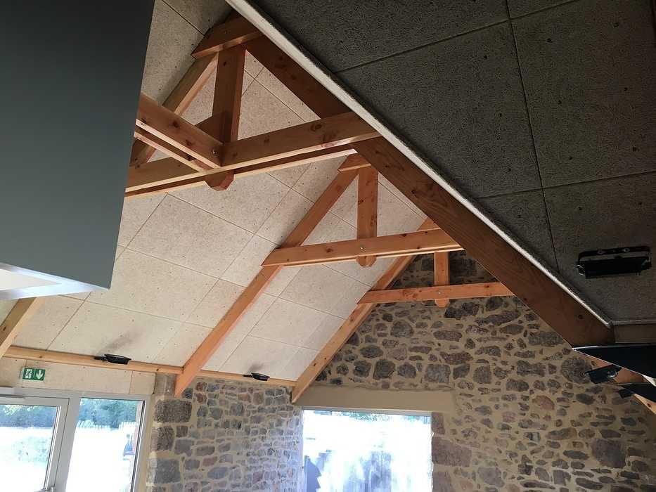 Plafond et isolation de la crêperie du camping 5* « le Ranolien » - Ploumanach img4126