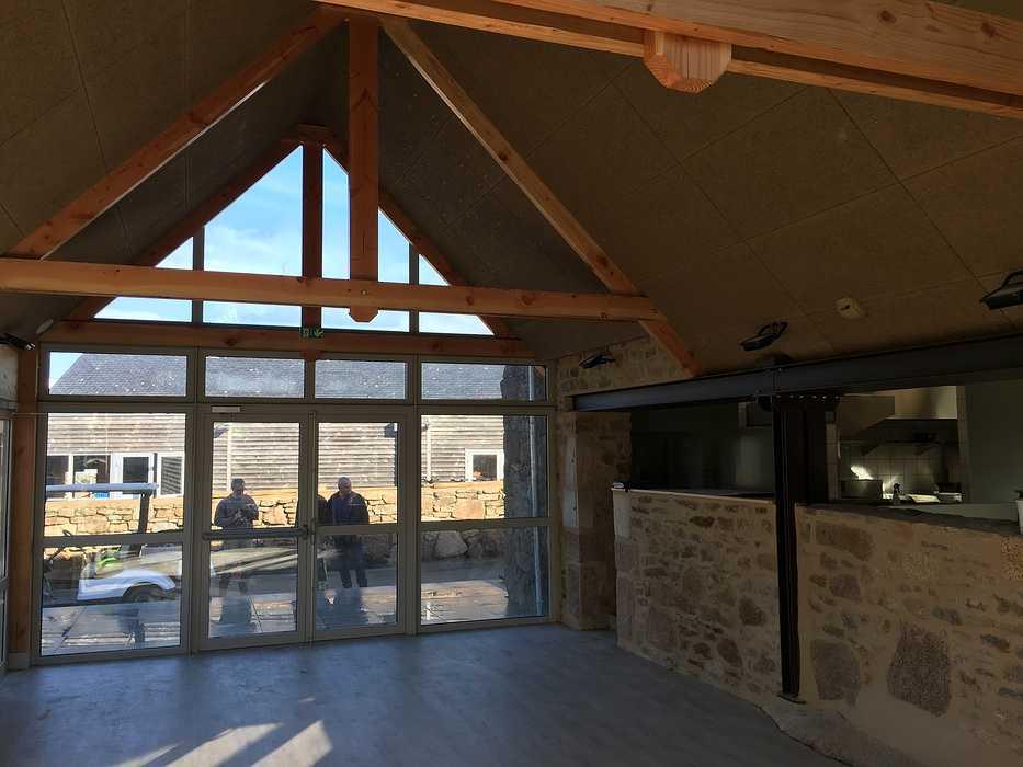 Plafond et isolation de la crêperie du camping 5* « le Ranolien » - Ploumanach img4128