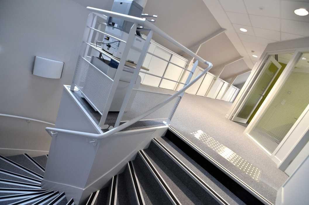 Cloisons, plafonds et menuiseries intérieures dsc4808