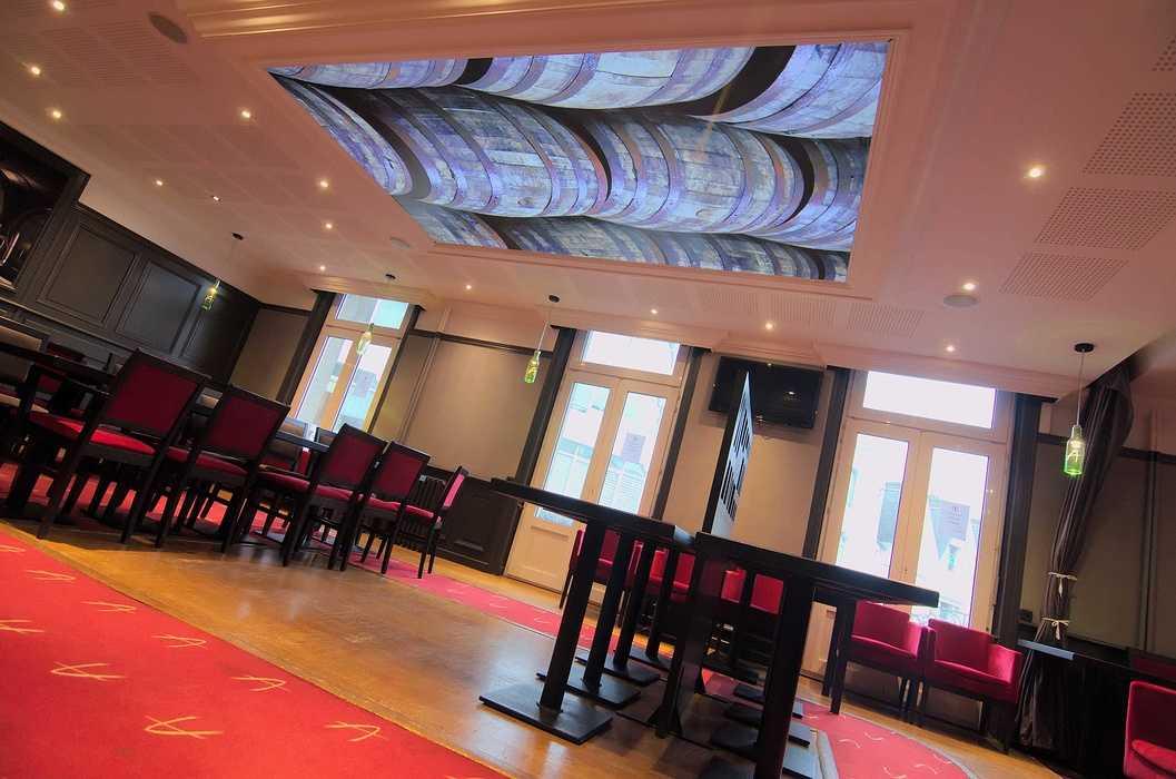 Plafond tendu rétro éclairé dsc5701