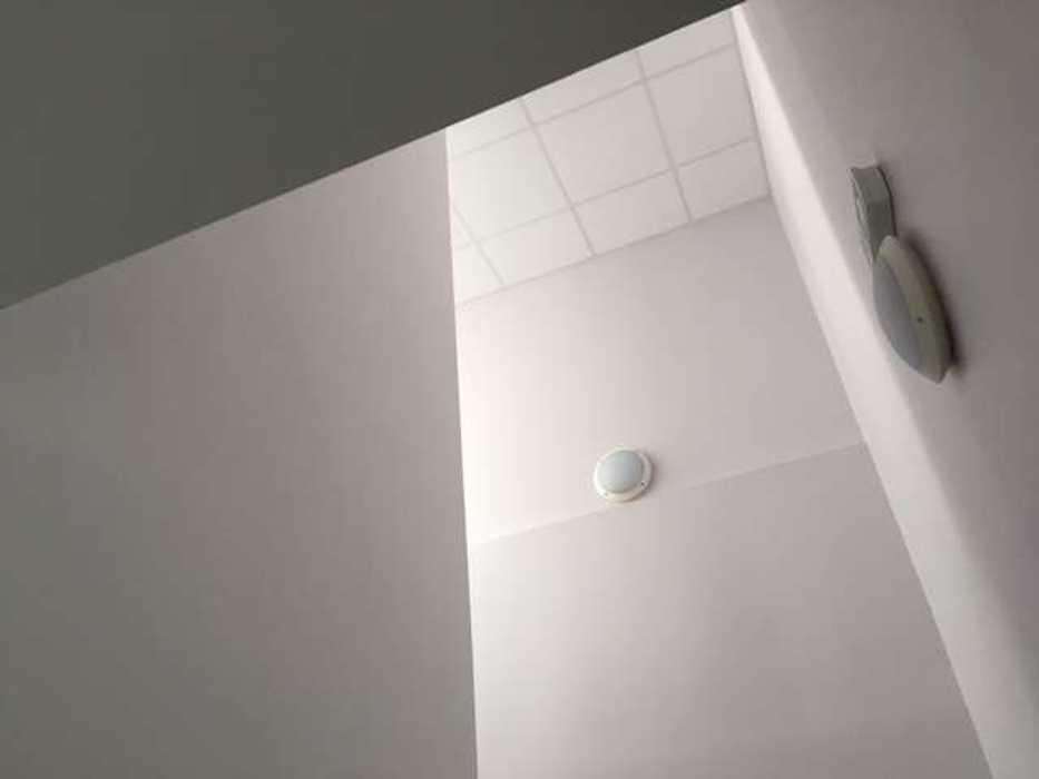 Cloisons de distribution et cloisons modulaires, plafonds suspendus et menuiseries intérieures img3403