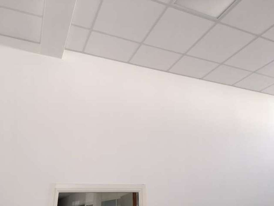 Cloisons de distribution et cloisons modulaires, plafonds suspendus et menuiseries intérieures img3406