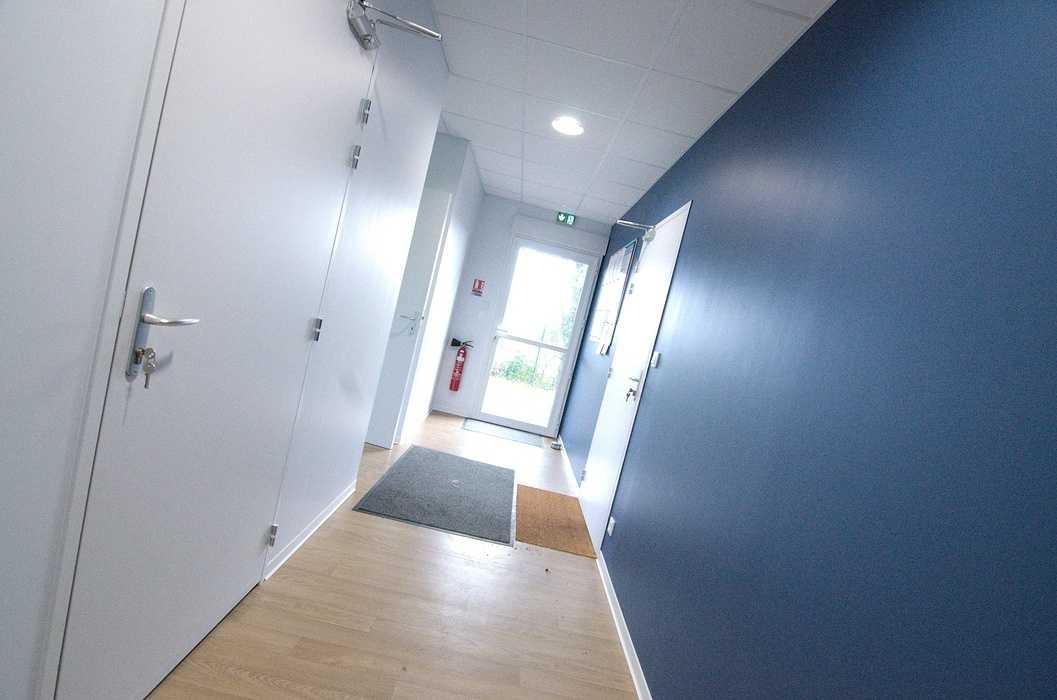 Cloisons / doublage / plafonds / menuiseries : ateliers et bureaux - Cavan (22) dsc1559