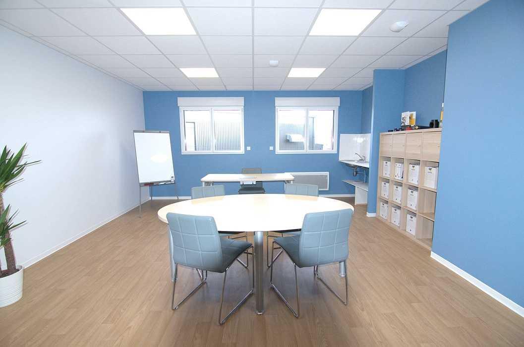 Cloisons / doublage / plafonds / menuiseries : ateliers et bureaux - Cavan (22) dsc1563