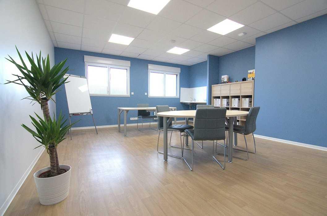 Cloisons / doublage / plafonds / menuiseries : ateliers et bureaux - Cavan (22) dsc1567
