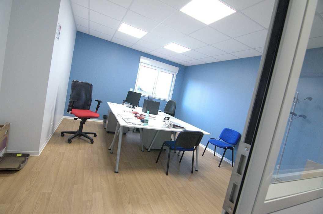 Cloisons / doublage / plafonds / menuiseries : ateliers et bureaux - Cavan (22) dsc1569