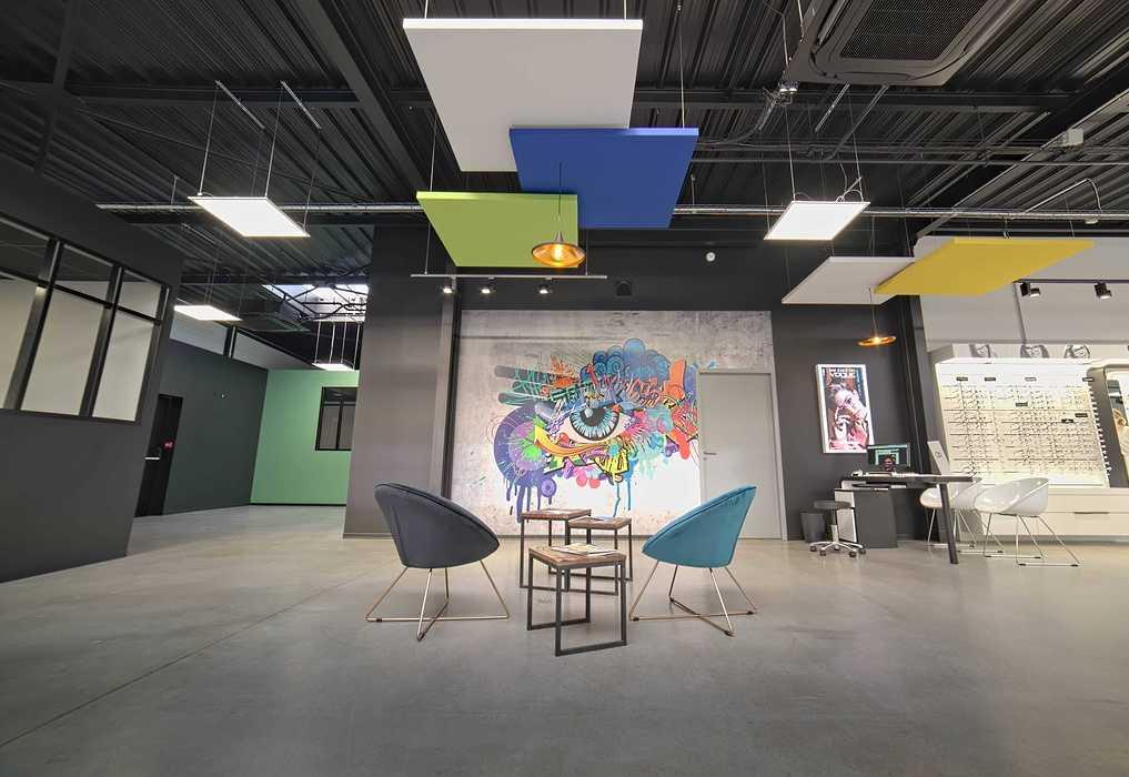 Rénovation de cloisons, plafonds : magasin Optic 200 - Saint Quay Perros dsc0405