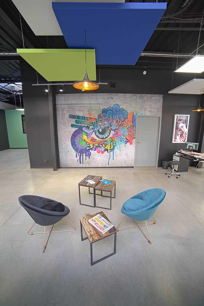 Rénovation de cloisons, plafonds : magasin Optic 200 - Saint Quay Perros dsc0408