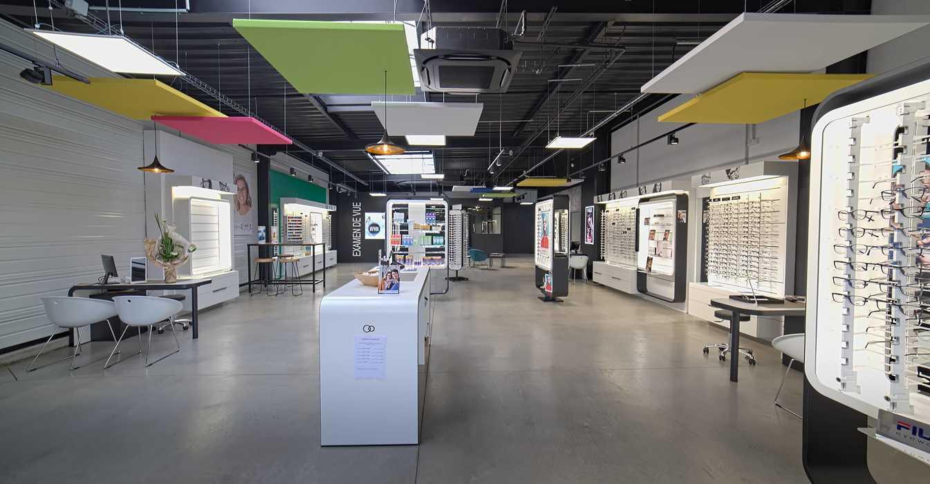Rénovation de cloisons, plafonds : magasin Optic 200 - Saint Quay Perros 0
