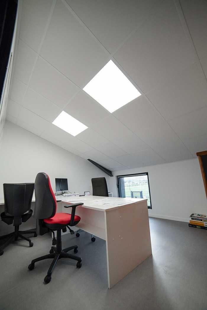 Rénovation plafonds suspendus, cloisons centre d''entrainement EAG - 22 dsc1382