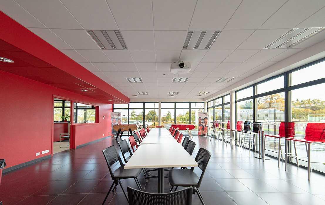 Rénovation plafonds suspendus, cloisons centre d''entrainement EAG - 22 0